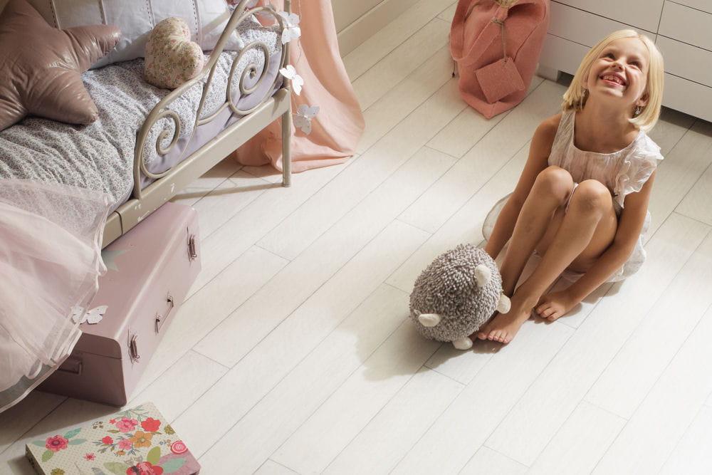 sol vinyle 240 serenity de tarkett des id es de sol pour la chambre linternaute. Black Bedroom Furniture Sets. Home Design Ideas