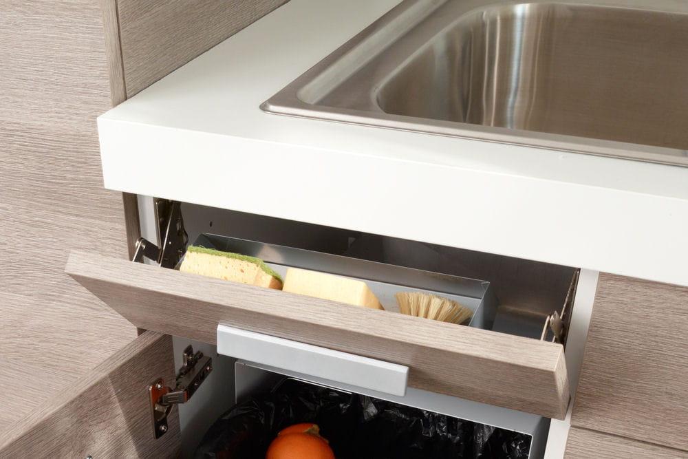 de quoi ranger ses ponges 10 rangements malins pour la cuisine linternaute. Black Bedroom Furniture Sets. Home Design Ideas