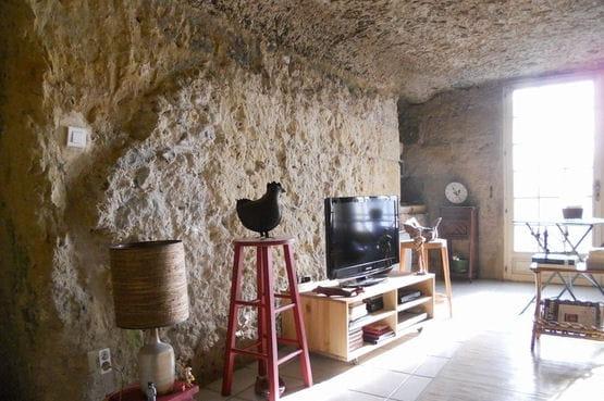 Une maison troglodyte en indre et loire 37 25 biens for Acheter maison troglodyte