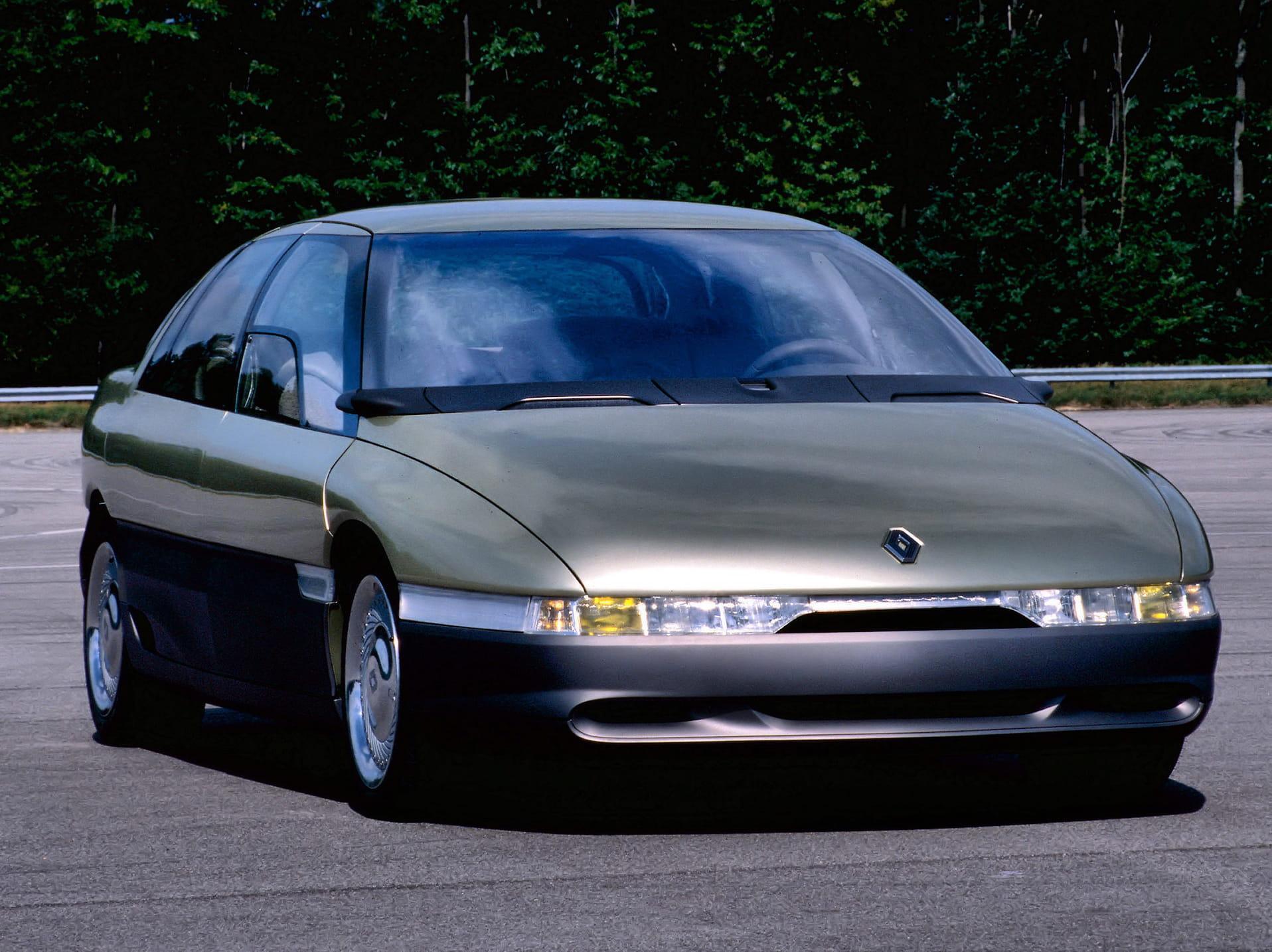renault megane concept de 1988 ces concept cars dessin s par les derniers de la promo. Black Bedroom Furniture Sets. Home Design Ideas