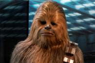 http://www.linternaute.com/cinema/coulisses/anecdotes-coulisses-star-wars/image/chewbacca_amis_fre-cinema-coulisses-2005417.jpg