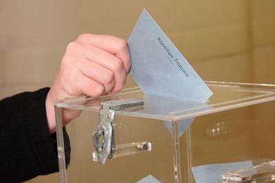 bureaux de vote lille adresses et horaires des bureaux de vote mun59000 linternaute. Black Bedroom Furniture Sets. Home Design Ideas