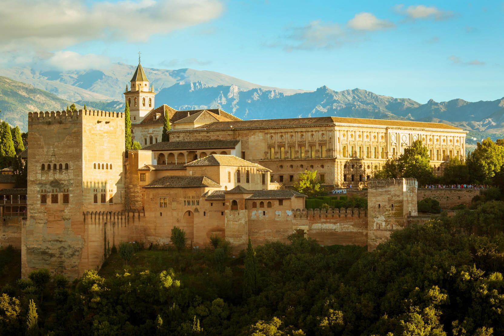 le palais de l 39 alhambra en espagne. Black Bedroom Furniture Sets. Home Design Ideas