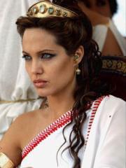 http://www.linternaute.com/cinema/star-cinema/dossier/belles-mais-dangereuses-ces-actrices-qui-ont-joue-les-mechantes/image/alexandre-2004-28-g-cinema-stars-2079761.jpg