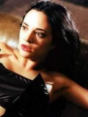 http://www.linternaute.com/cinema/star-cinema/dossier/belles-mais-dangereuses-ces-actrices-qui-ont-joue-les-mechantes/image/471895-asia-argento-violaine-dans-les-morsures-de-l-aube-cinema-stars-2079819.jpg