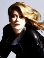 http://www.linternaute.com/cinema/star-cinema/dossier/belles-mais-dangereuses-ces-actrices-qui-ont-joue-les-mechantes/image/predateurs-1983-10-g-cinema-stars-2080131.jpg