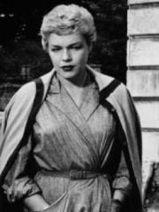http://www.linternaute.com/cinema/star-cinema/dossier/belles-mais-dangereuses-ces-actrices-qui-ont-joue-les-mechantes/image/diaboliques-03-g-cinema-stars-2080142.jpg