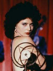 http://www.linternaute.com/cinema/star-cinema/dossier/belles-mais-dangereuses-ces-actrices-qui-ont-joue-les-mechantes/image/blue-velvet-1986-08-g-cinema-stars-2080169.jpg
