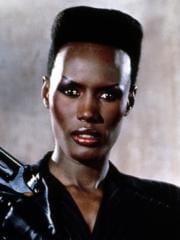 http://www.linternaute.com/cinema/star-cinema/dossier/belles-mais-dangereuses-ces-actrices-qui-ont-joue-les-mechantes/image/dangereusement-votre-1985-01-g-cinema-stars-2080215.jpg