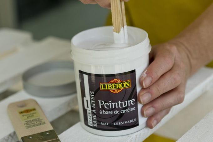 Pr paration de la peinture d couvrez comment transformer - Peinture table basse ...