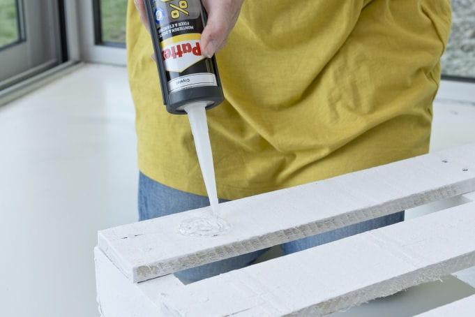 Application de colle sur la palette d couvrez comment for Sur la table application