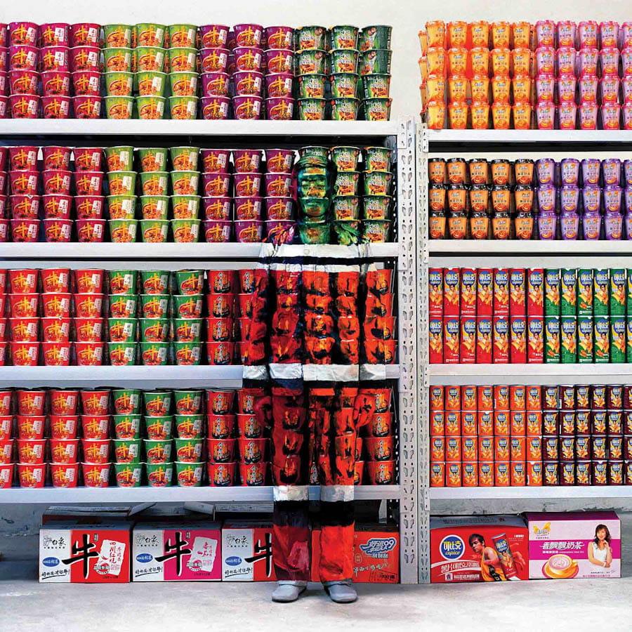devant un rayon de supermarch u00e9 chinois   les incroyables