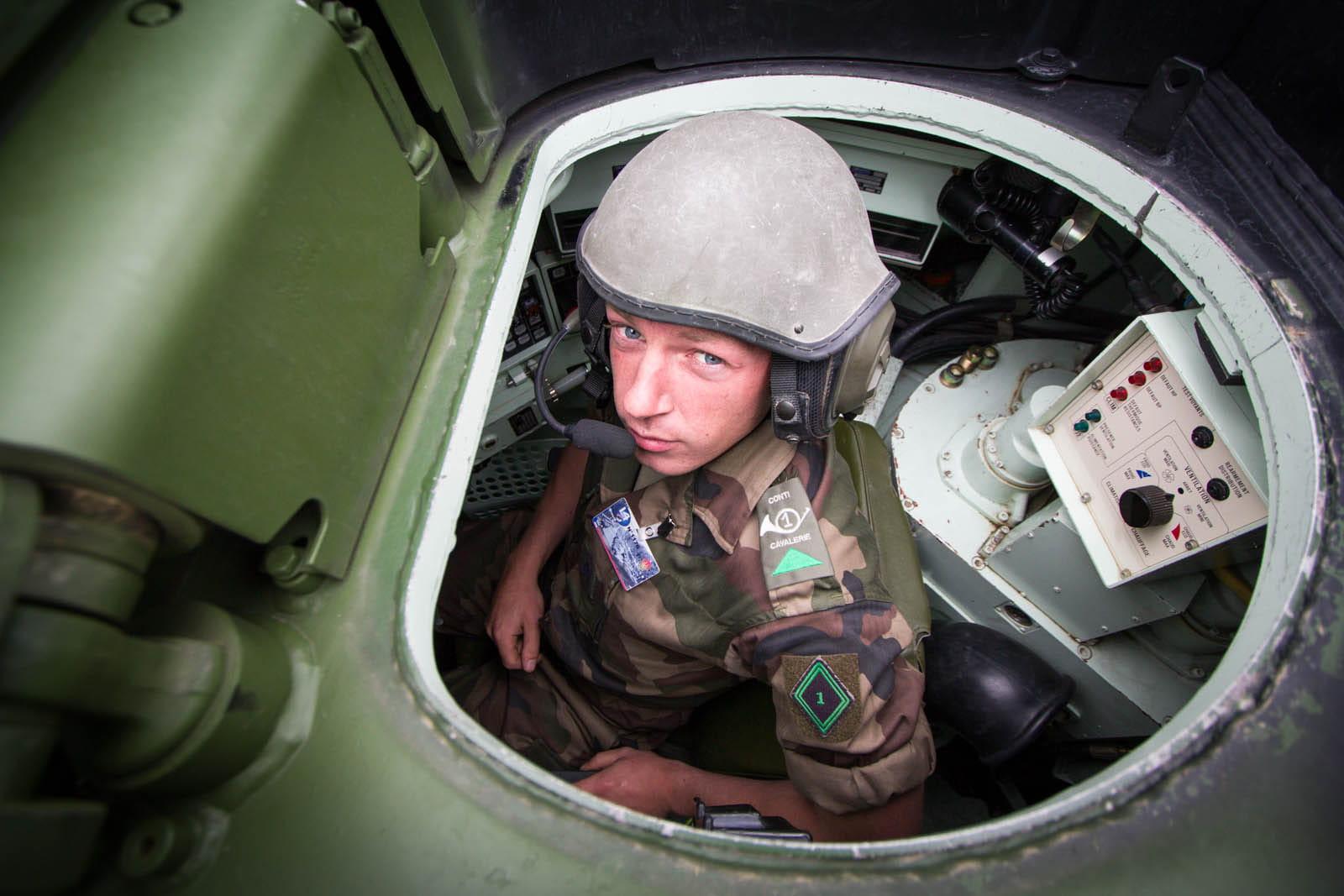 Char leclerc du c t de l 39 op rateur tourelle les for L interieur du char de vimoutier