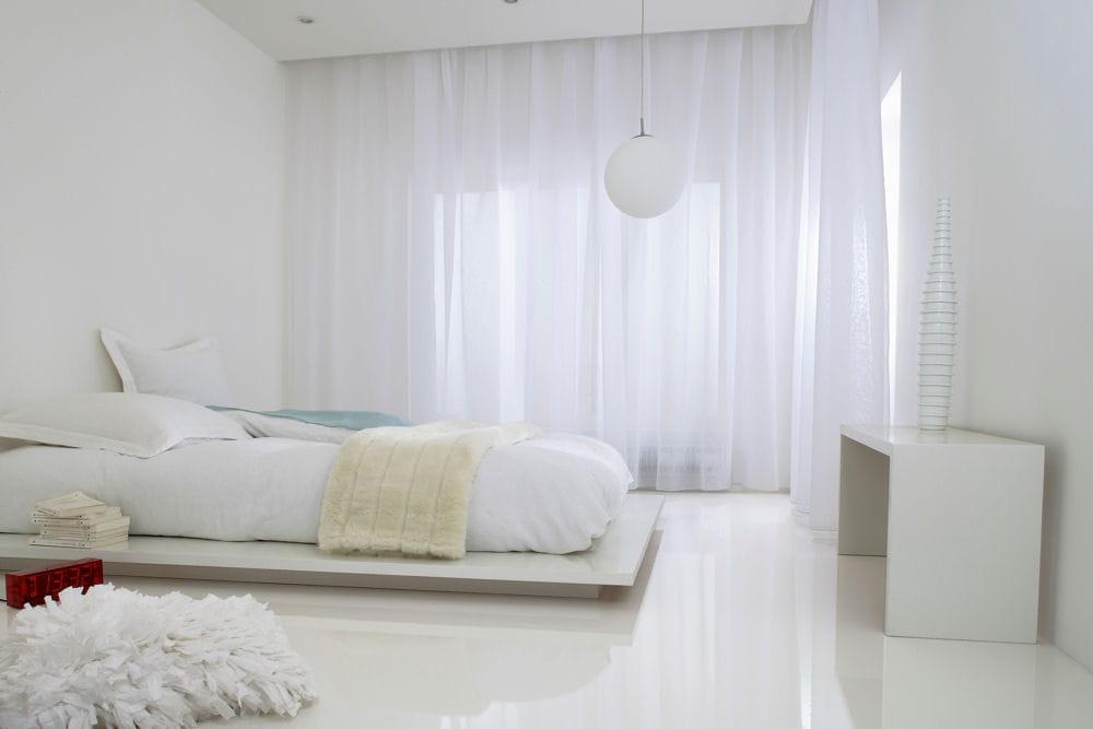 D 39 un blanc immacul des id es d co pour la chambre linternaute - Resine de sol leroy merlin ...