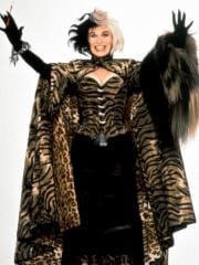 http://www.linternaute.com/cinema/magazine/100-looks-mythiques-du-cinema/image/101-dalmatiens-1996-03-g-cinema-magazine-2253931.jpg