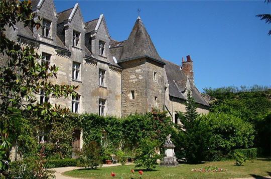 en 1493, la châtellenie de montrésor devient la propriété d'ymbert de bastarnay.
