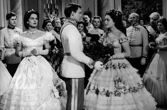 ... .com/cinema/m...-25-ans-deja/image/sissi-1955-1957-231733.jpg