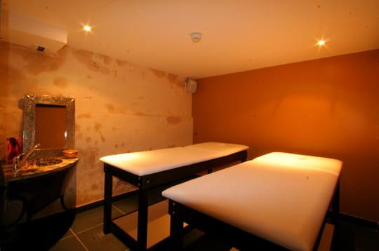 massages et soins. Black Bedroom Furniture Sets. Home Design Ideas