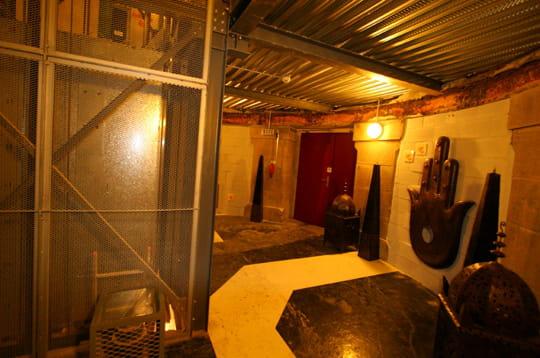 l 39 entr e du hammam l 39 ouverture du hammam du lieu unique linternaute. Black Bedroom Furniture Sets. Home Design Ideas