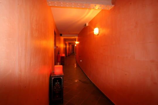 la voie menant au zen l 39 ouverture du hammam du lieu unique linternaute. Black Bedroom Furniture Sets. Home Design Ideas