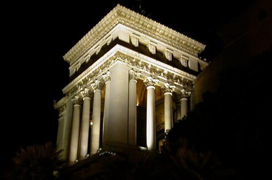 http://www.linternaute.com/voyage/magazine/photo/les-plus-belles-photos-de-rome/image/temple-jupiter-234740.jpg