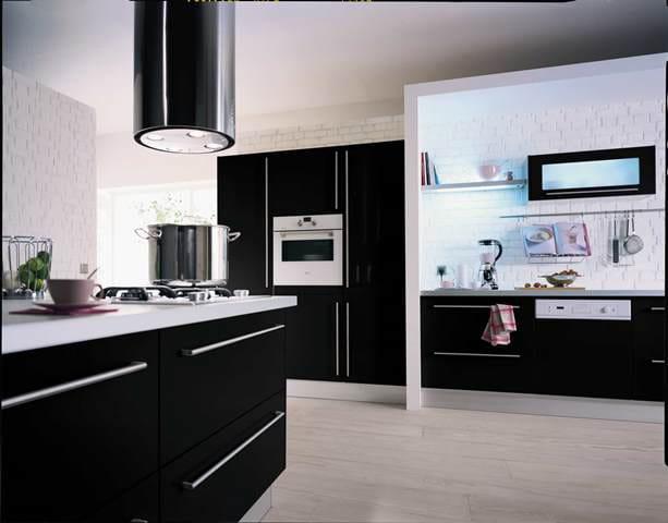 Une cuisine sophistiqu e des meubles tendance laqu e for Cuisine equipee laquee
