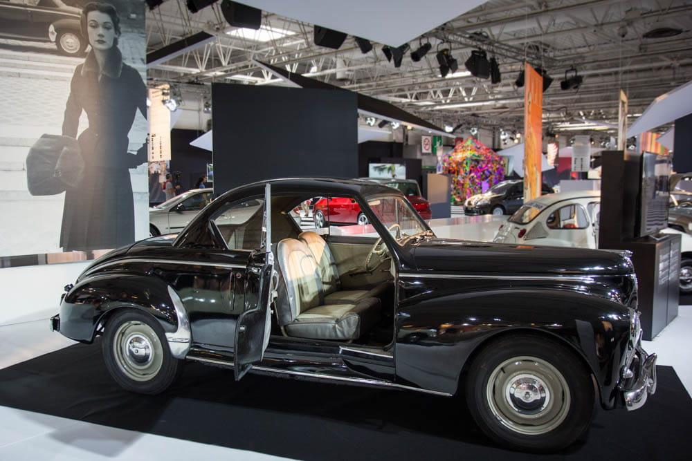 peugeot 203 coup mondial de l 39 auto 2014 la mode et le design automobile s 39 entrem lent. Black Bedroom Furniture Sets. Home Design Ideas