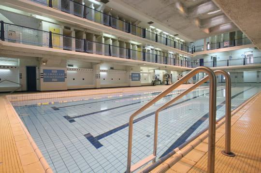 Style paquebot la piscine des amiraux xviiie for Piscine des amiraux