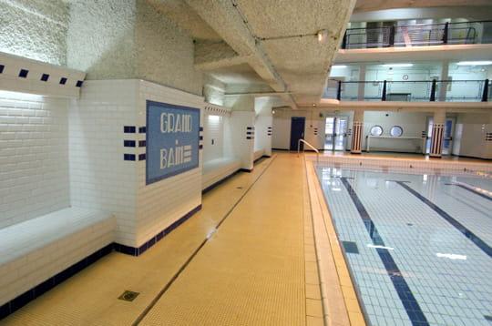 Un style m tro la piscine des amiraux xviiie for Piscine des amiraux
