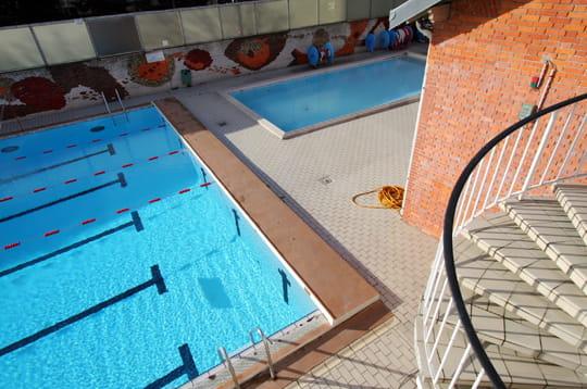 Bassins ext rieurs la piscine de la butte aux cailles for Piscine butte aux cailles