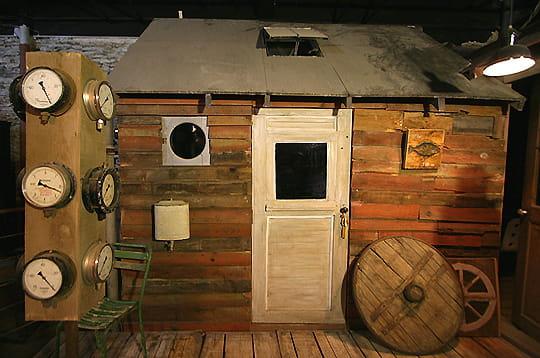 des bureaux originaux une maison atypique nantes linternaute. Black Bedroom Furniture Sets. Home Design Ideas