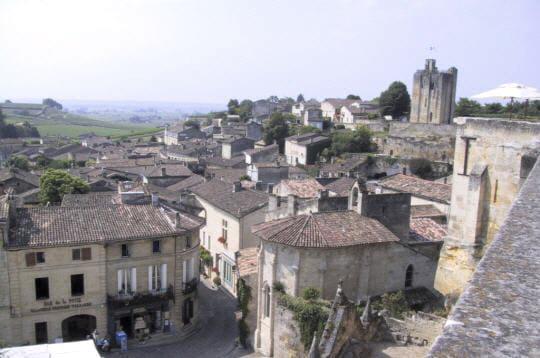 du haut des remparts, on peut admirer une vue exceptionnelle sur la ville. au