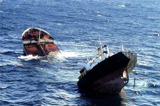 http://www.linternaute.com/mer-voile/magazine/photo/les-plus-grandes-catastrophes-maritimes/image/prestige-240882.jpg
