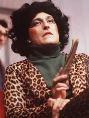 http://www.linternaute.com/cinema/magazine/acteurs-travestis-en-femme/image/sipa_00197661_000003-cinema-magazine-2412889.jpg