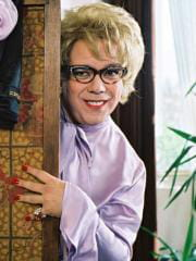 http://www.linternaute.com/cinema/magazine/acteurs-travestis-en-femme/image/sipa_00570953_000002-cinema-magazine-2413027.jpg