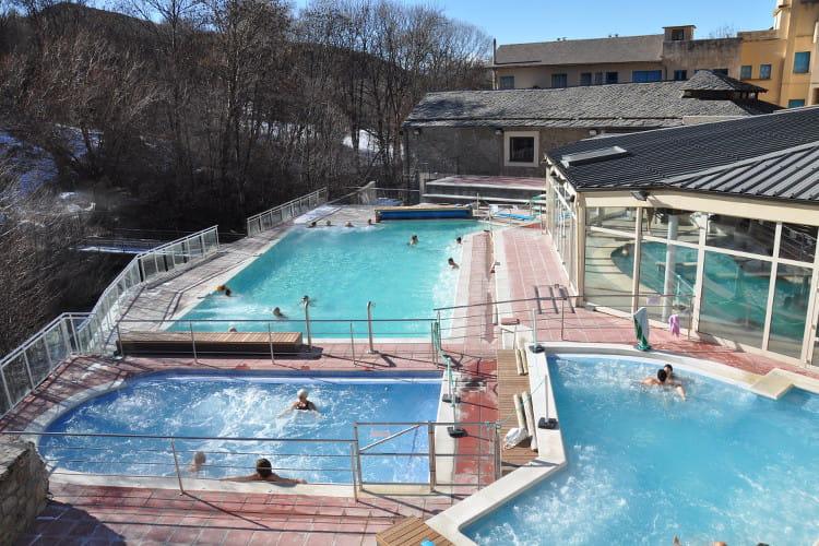 Les bains de llo dans les pyr n es orientales - Les bains d orient 75010 ...