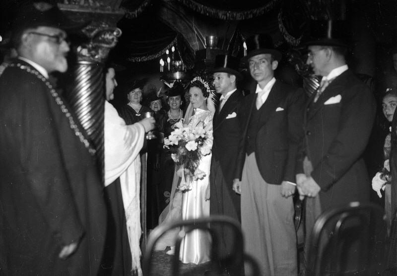 Dans une synagogue pendant la seconde guerre mondiale