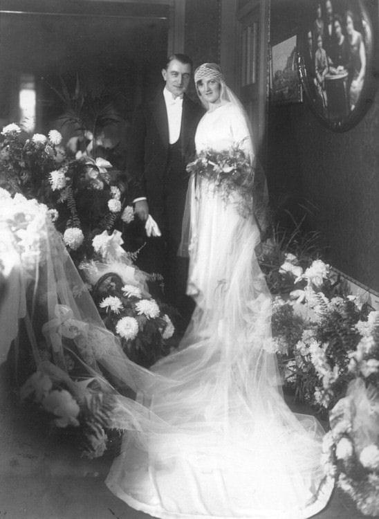 La robe de mari e des ann es folles les plus belles for Robes de renouvellement de voeux de mariage taille plus