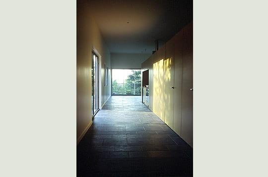 une chambre ouverte sur l 39 ext rieur une maison de jardin cou ron linternaute. Black Bedroom Furniture Sets. Home Design Ideas
