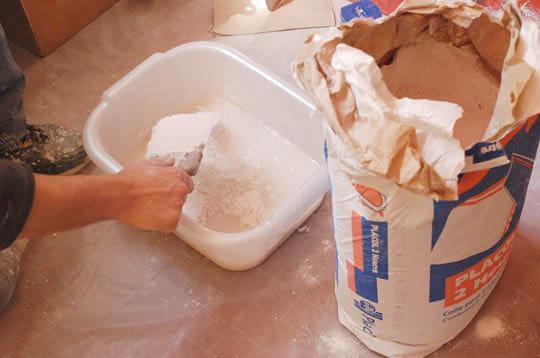 Enduire et repeindre murs et plafonds