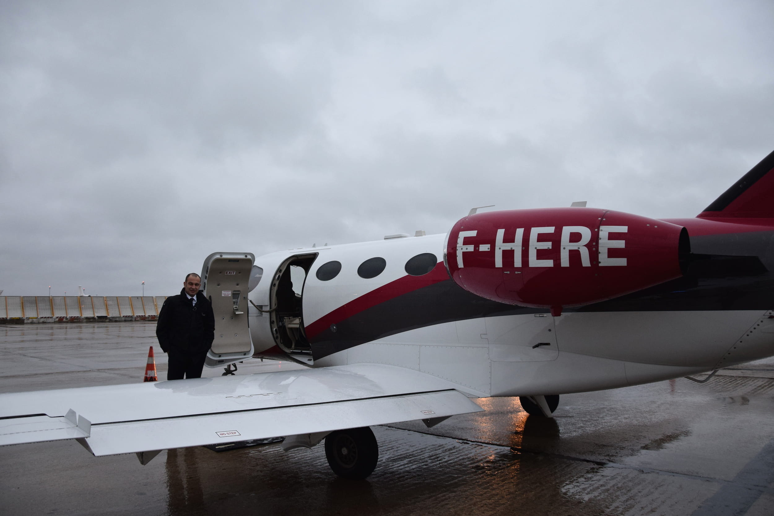 L 39 accueil du capitaine cojetage on a test le vol en for Moteur recherche hotel pas cher