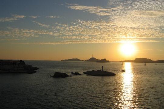 l'archipel du frioulse situeàquelques kilomètres au large de