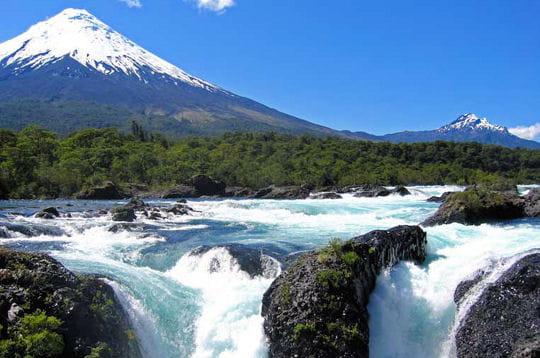 http://www.linternaute.com/voyage/magazine/photo/tour-des-merveilles-d-amerique-latine/image/volcan-osorno-251078.jpg