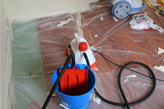 Pr caution d coller du papier peint linternaute for Decoller du crepis interieur