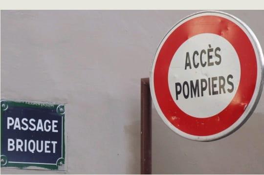 http://www.linternaute.com/humour/magazine/photo/noms-de-rues-insolites/image/y-a-pas-feu-253838.jpg