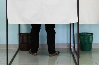 ouverture des bureaux de vote l 39 heure des lections. Black Bedroom Furniture Sets. Home Design Ideas