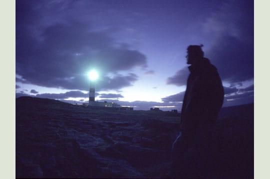 'la planète vénus rivalise d'éclat avec le phare du créac'h sur l'ile