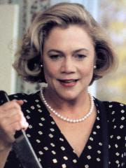 http://www.linternaute.com/cinema/film/photo/les-pires-mechants-de-l-histoire-du-cinema/image/serial-mom-cinema-films-2587668.jpg