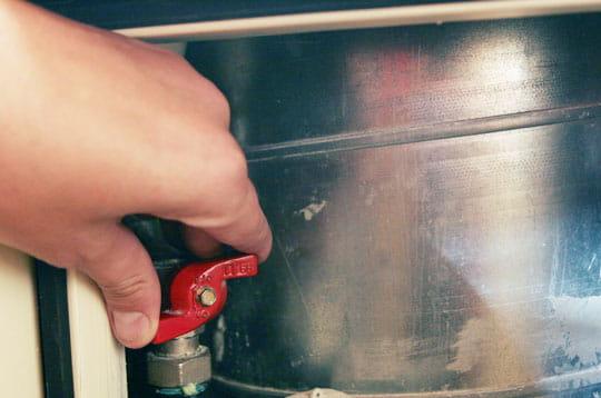 Coupez l 39 eau changer le joint d 39 une t te de robinet for Changer le joint d un robinet