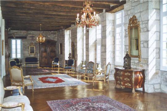 des cuisines jusqu'au donjon, la visite du châteauplonge le visiteur dans